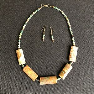 Jewelry - 🌸3/$25 Stone necklace & earrings set